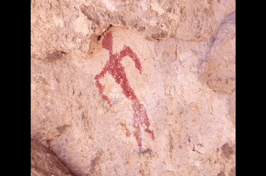 Stunning example of Mimbres Pictograph at the Gila Cliff Dwellings, a day trip from New Mexico Cabin Rentals