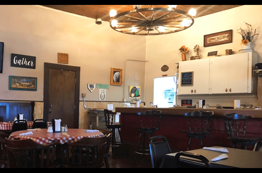 Convenient to New Mexico Cabin Rentals and Double E Ranch, Tammy's Cafe serves up family style and Mexican food Friday, Saturday and Sunday.