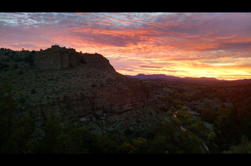 Another perfect end-of-day sunset view from your patio at Bear Creek Canyon Retreat.